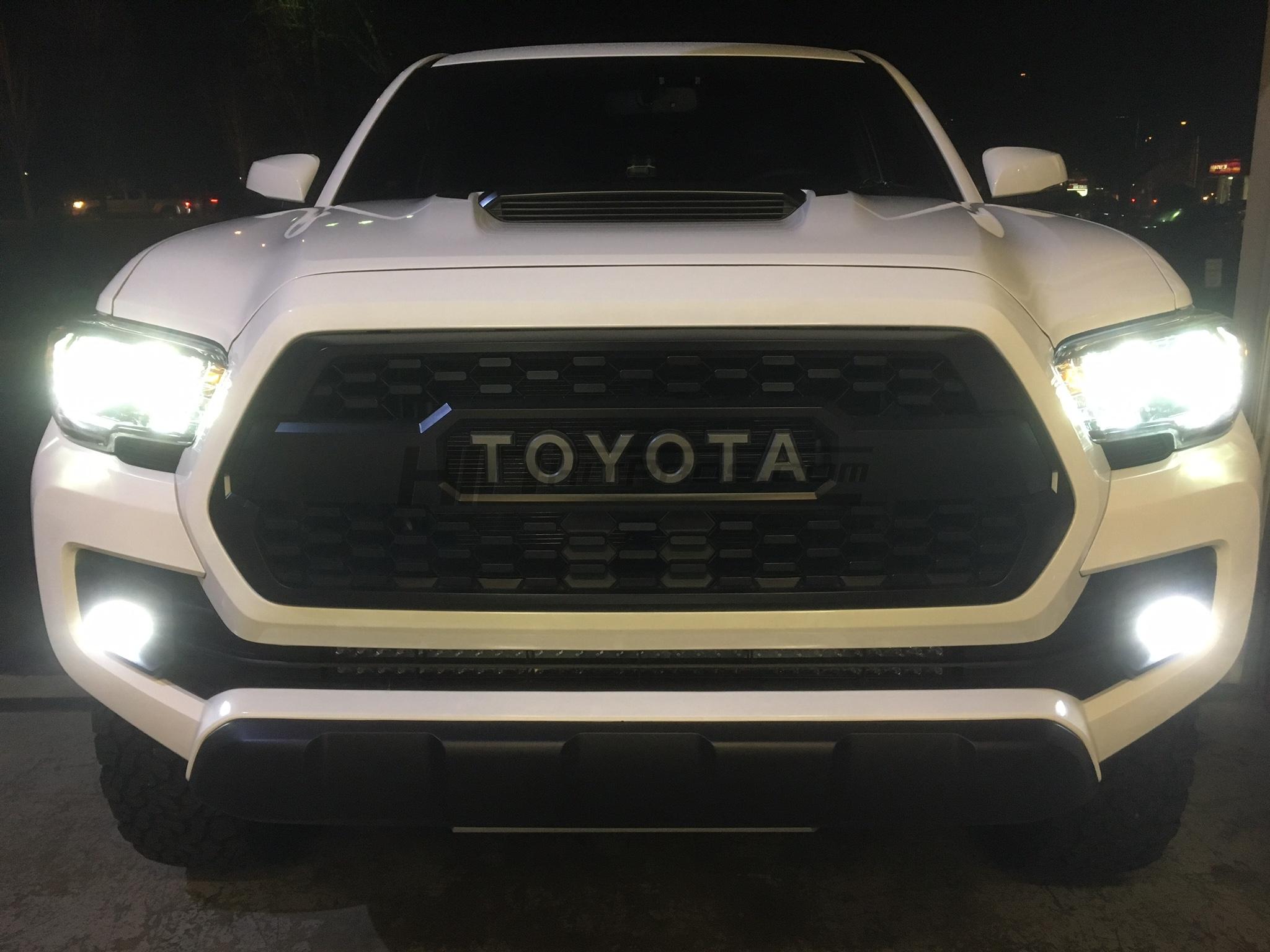 MORIMOTO XB LED Fog Lights TOYOTA OVAL Tacoma Tundra 4Runner Camry Prius 2400LM